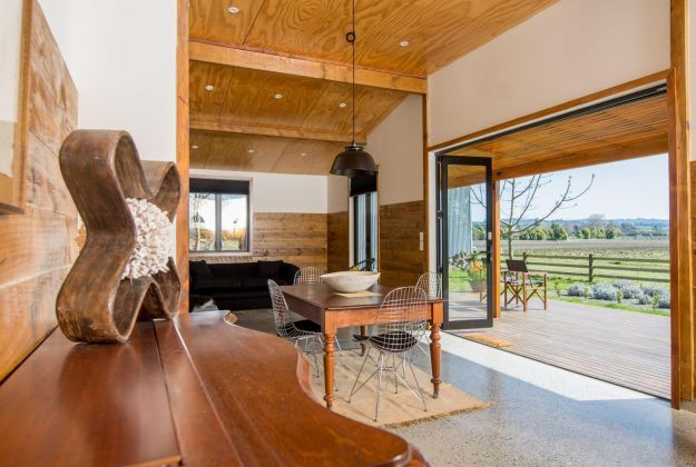 Accommodation   River Road Truffles and Retreat